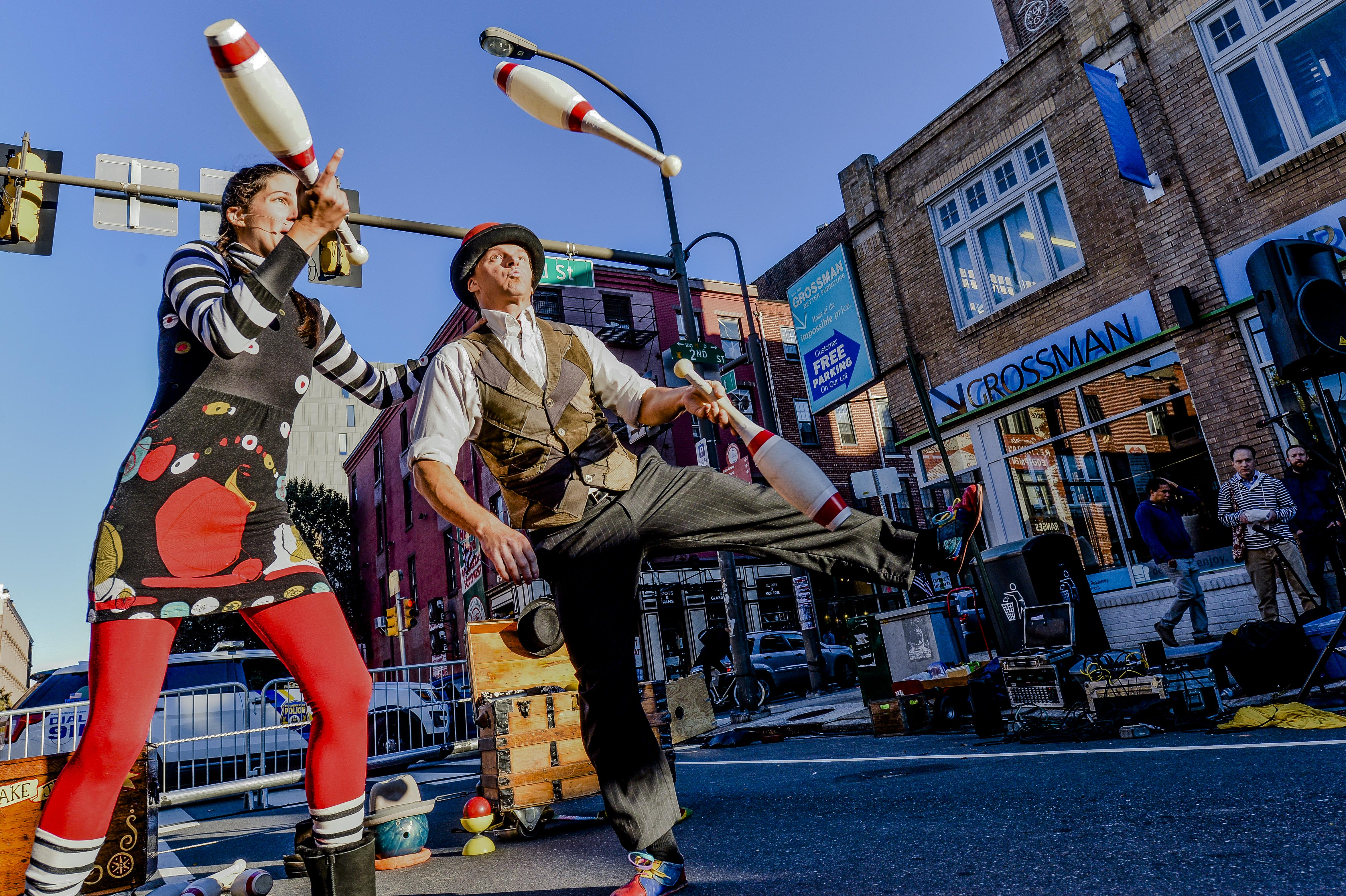 Give_and_Take_Jugglers_Photo_by_Kyle_Ober.jpg