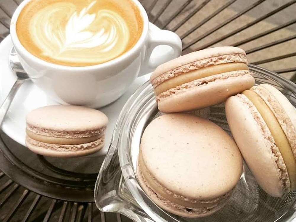 ICI-Macarons-and-Cafe-Gold.