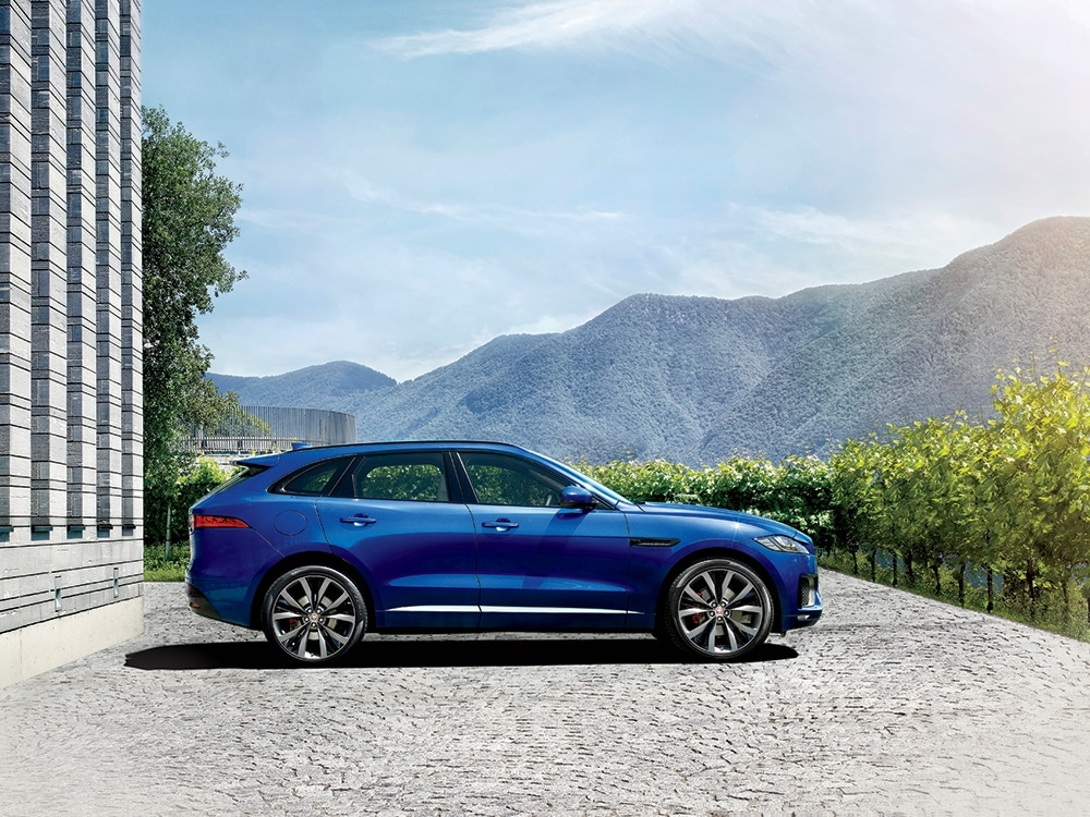 jaguar 39 s latest f pace suv is heating things up on the road. Black Bedroom Furniture Sets. Home Design Ideas