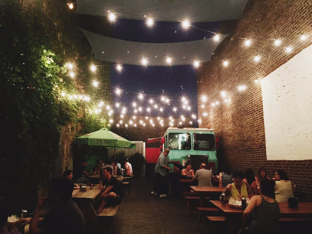 Memphis-Taproom-Philadelphia-Beer-Garden-Yelp.