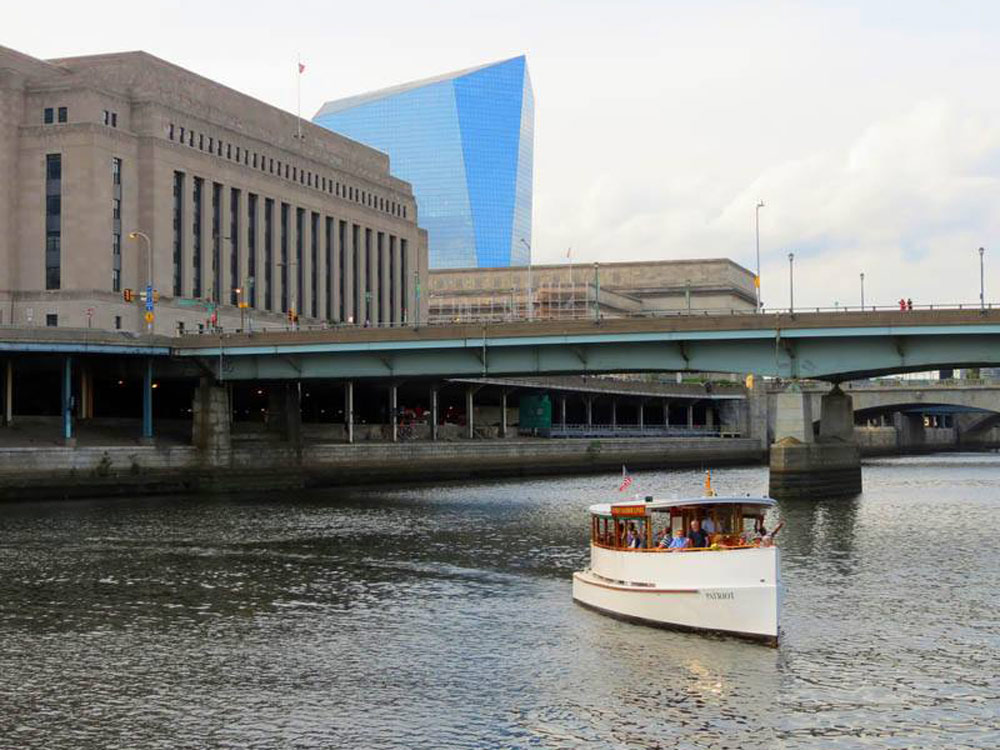 Schuylkill-Banks-Riverboat-Tour.