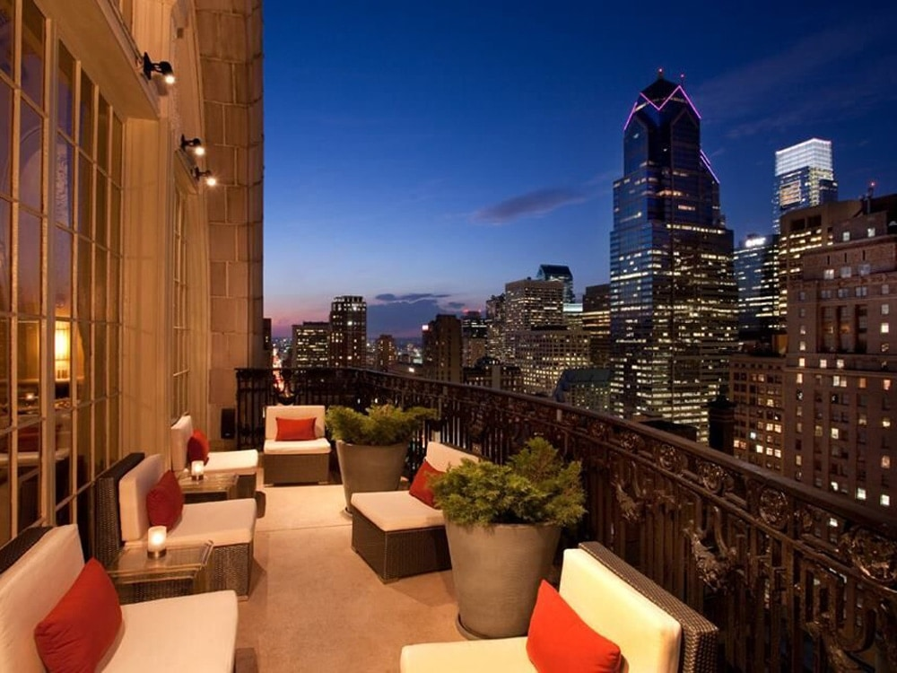 XIX-Rooftop-Bar-Philadelphia.