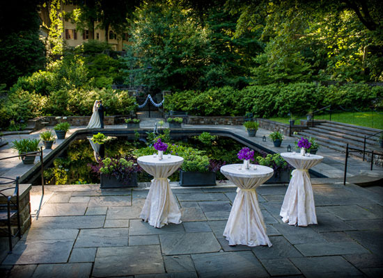 4 wedding venues we love for Garden reflecting pool