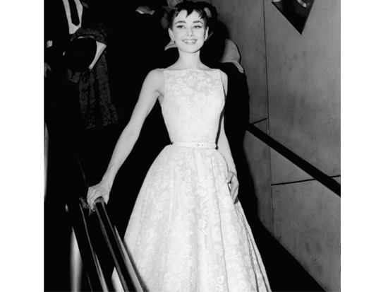9 - #TBT: 9 Best Oscars Dresses of All Time