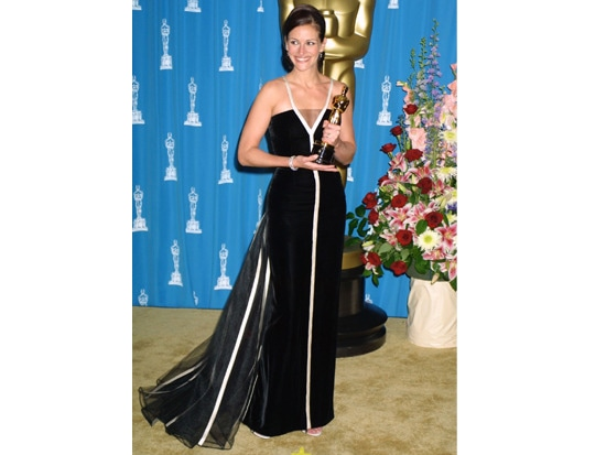 6 - #TBT: 9 Best Oscars Dresses of All Time
